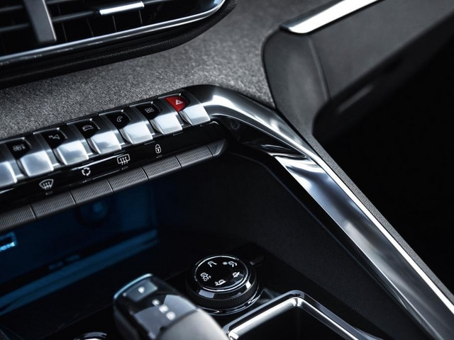 New SUV PEUGEOT 5008: Toggle switches