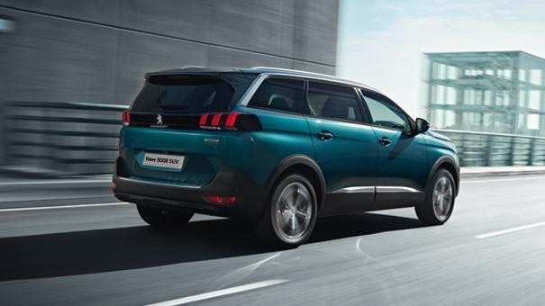 new-5008-suv-driving-experience-image